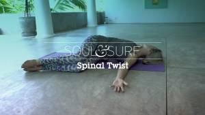 https://www.soulandsurf.com/wp-content/uploads/2018/10/Spinal-twist.jpg