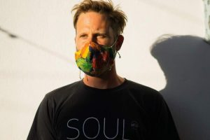 https://www.soulandsurf.com/wp-content/uploads/2020/12/portugalteamadam-in-mask-300x200.jpeg
