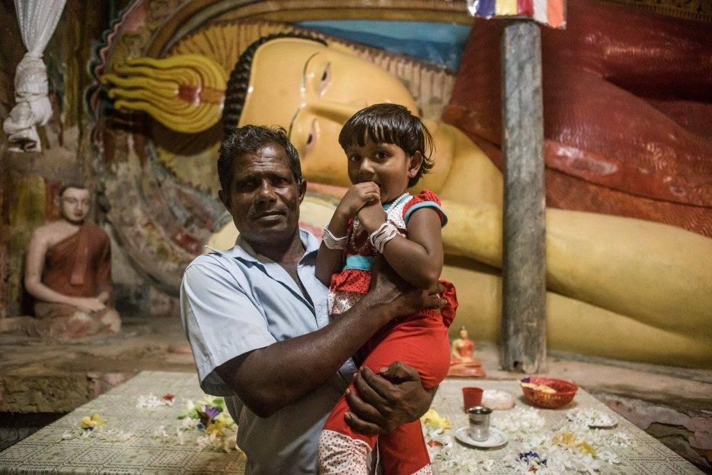 https://www.soulandsurf.com/wp-content/uploads/2021/01/Veshaka-Sri-Lanka-3.jpg