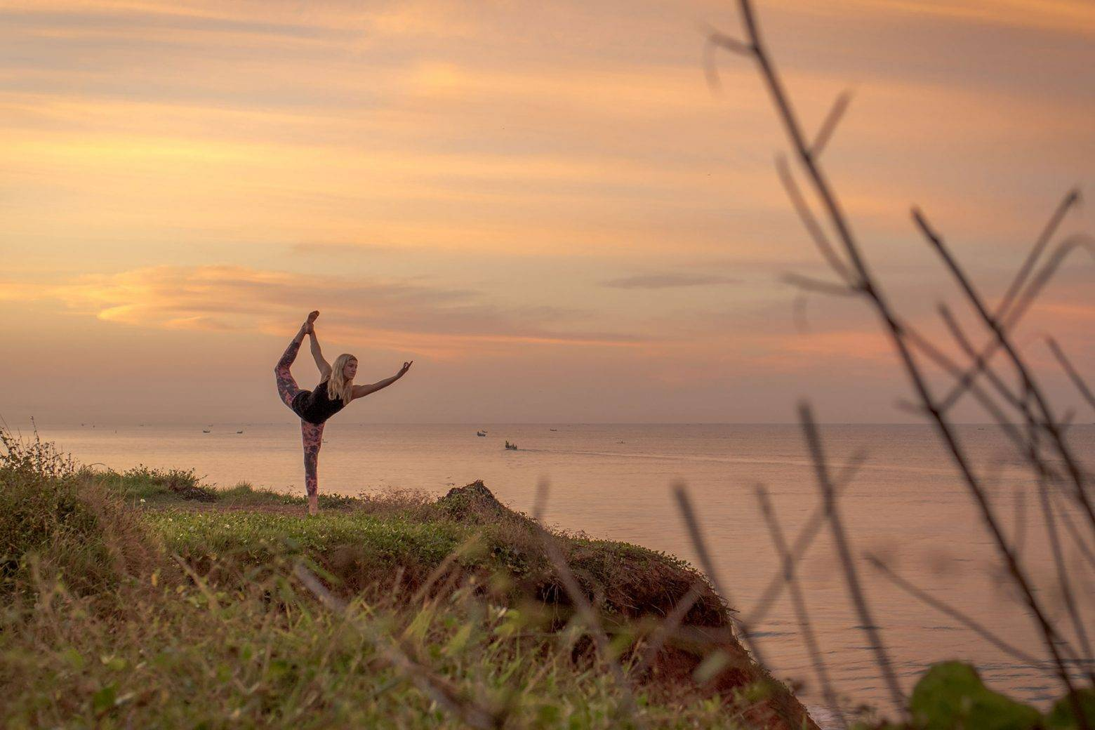 https://www.soulandsurf.com/wp-content/uploads/2021/04/indiayogadancers-pose-on-the-cliff-e1627563226204.jpg Image