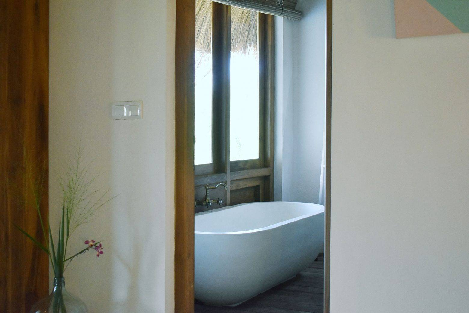 https://www.soulandsurf.com/wp-content/uploads/2021/07/Tekanda-RoomsCopy-of-Tek-Bath-Glimpse-e1627747184470.jpg