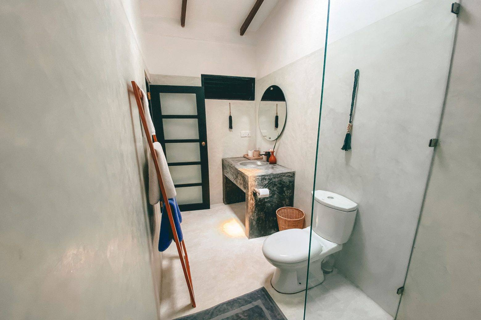 https://www.soulandsurf.com/wp-content/uploads/2021/07/illusion-bnb-bungalowbathroom4-e1627743561174.jpeg