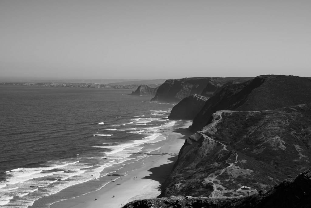 https://www.soulandsurf.com/wp-content/uploads/2021/08/Journal-surf-guide-portugal-@joeliooo_Beach-Cordoama_1.jpeg