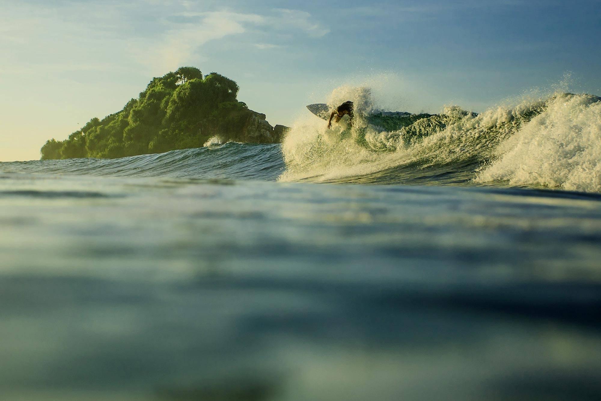 https://www.soulandsurf.com/wp-content/uploads/2021/09/RetreatsLanka-images-I11A8607.jpg